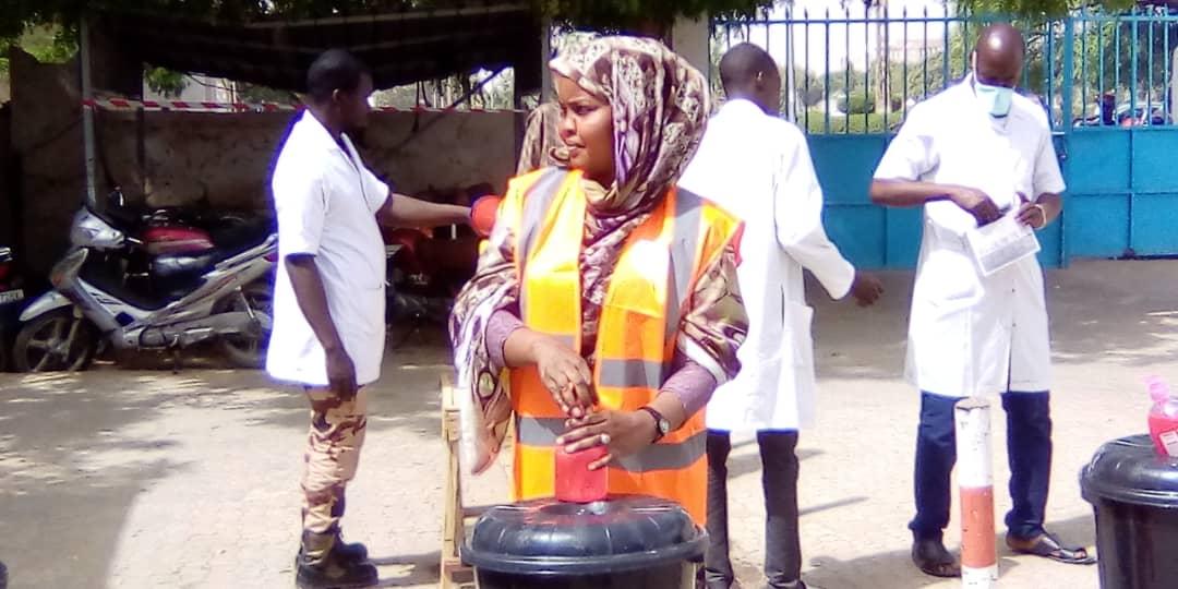Tchad : le milieu associatif apporte son soutien aux militaires blessés de Bohoma. © Mahamat Abdramane Ali Kitire/Alwihda Info