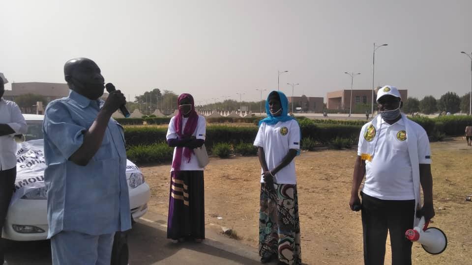 Tchad – Covid-19 : à N'Djamena, des jeunes décident de faire du porte-à-porte. © Malick Mahamat/Alwihda Info