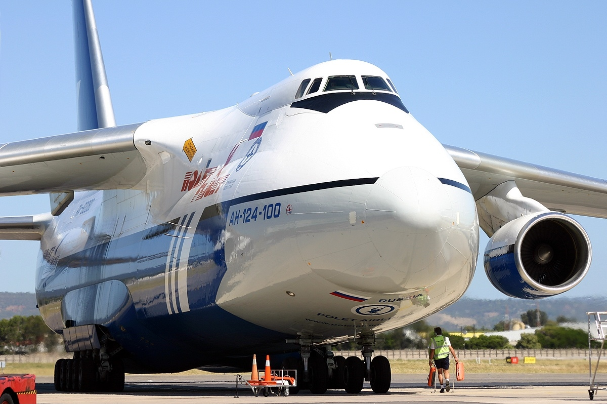 Un Antonov An-124-100 Ruslan en Australie. © Chris Finney