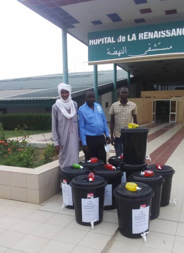 Tchad : un dépôt pharmaceutique offre des kilos de médicaments à un hôpital