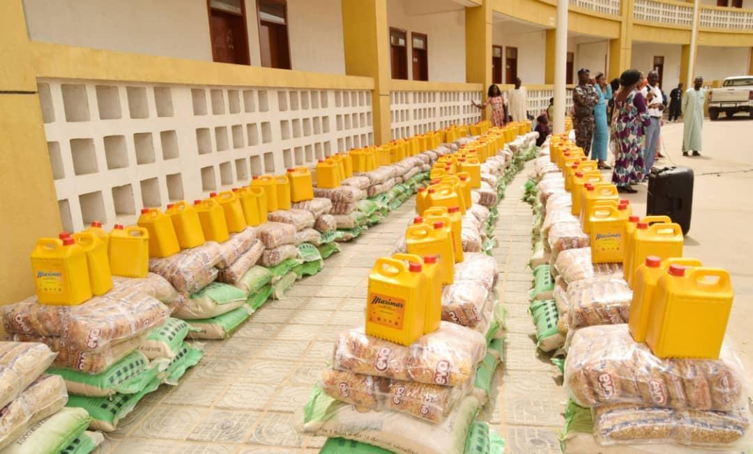 Tchad : des dons de vivres distribués à des organisations féminines. © DR/Maison nat. Femme