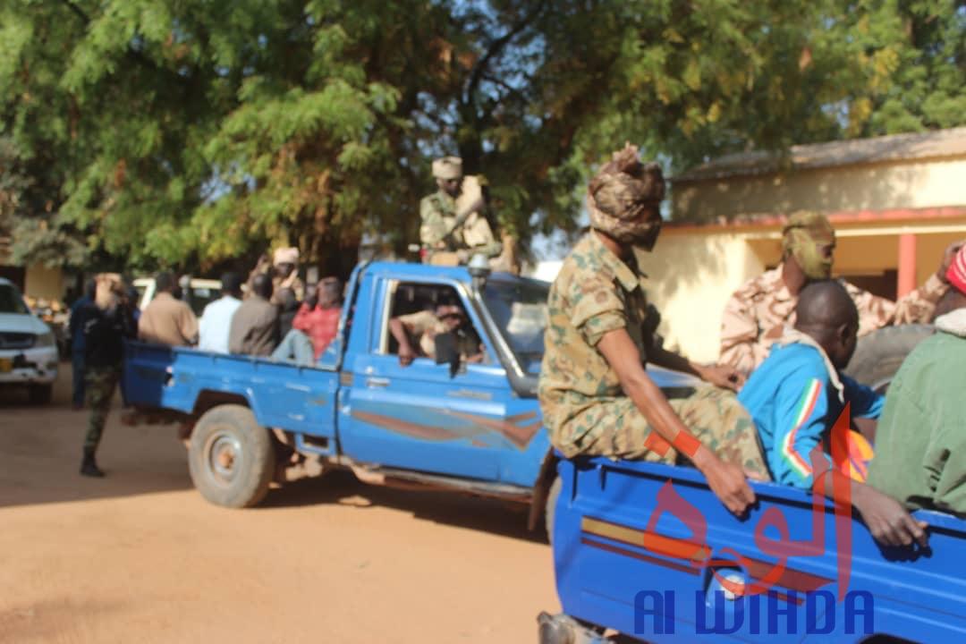 Des gendarmes escortent des détenus au Sud du Tchad. Illustration. © Golmen Ali/Alwihda Info
