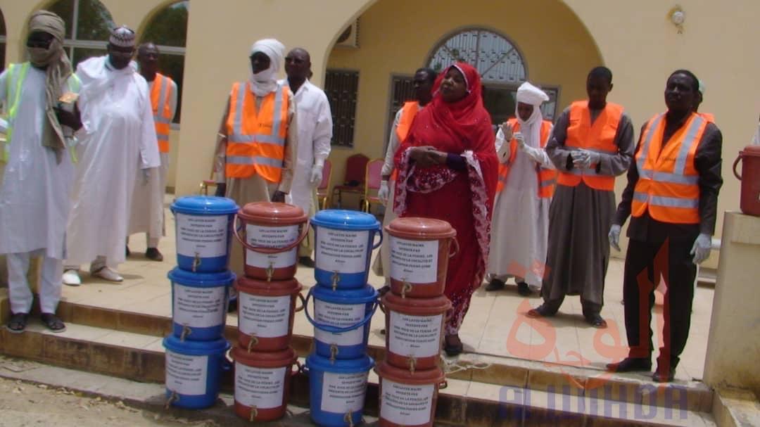 Tchad  Covid-19 : le milieu associatif vient en aide à la population. © Mbainaissem Gédéon Mbeibadoum/Alwihda Info
