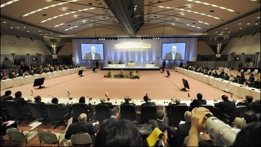 Ouverture du sommet du G20 sur le climat le 15 mars 2008 à Tokyo. © Kazuhiro Nogi AFP/Archives