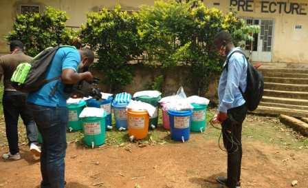 Cameroun/Covid 19 : la LDEM offre des kits aux populations d'Evodoula