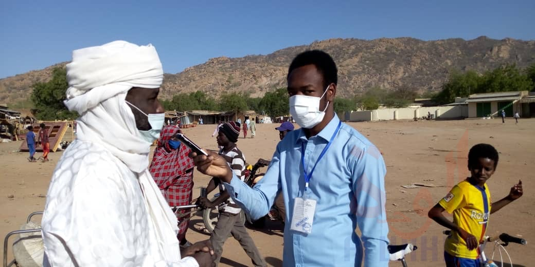 Tchad - Covid-19 : à Mongo, opération de lavage de mains au marché moderne. © Béchir Badjoury/Alwihda Info