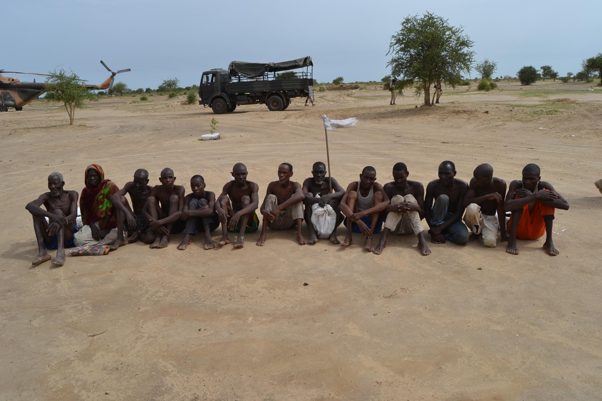 Des combattants de Boko Haram capturés au Lac Tchad en 2016. © Alwihda Info