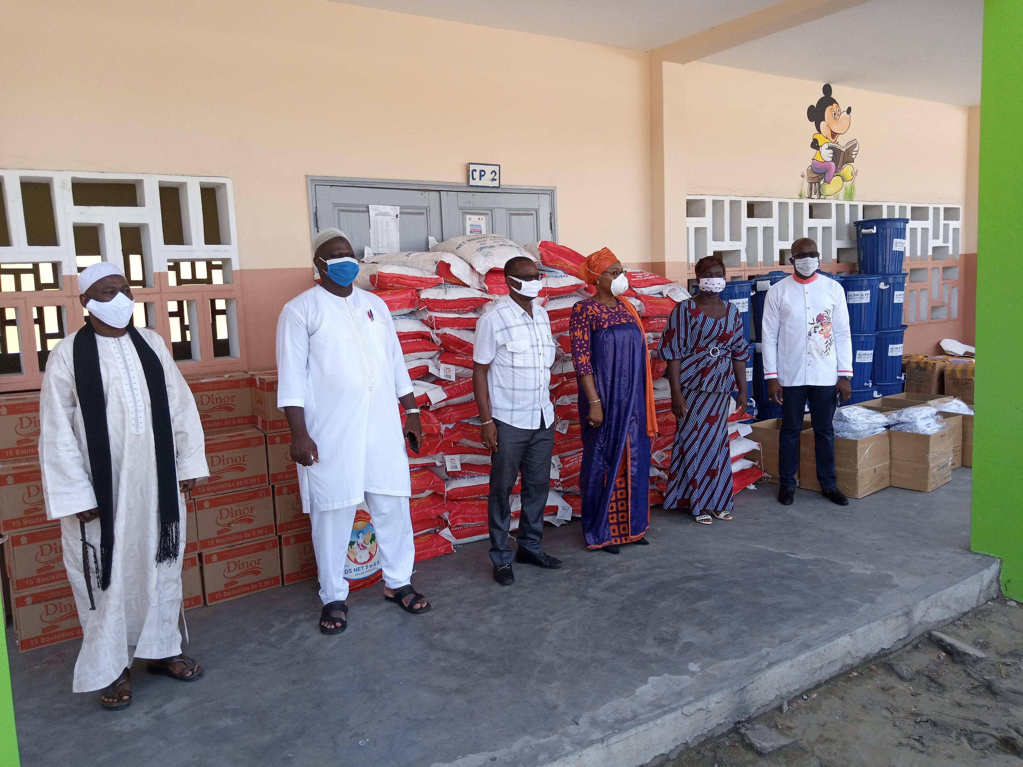 Côte d'Ivoire/Lutte contre la propagation du COVID-19 : L'Ong Afamah fait don de kits sanitaires et alimentaires aux femmes du district d'Abidjan