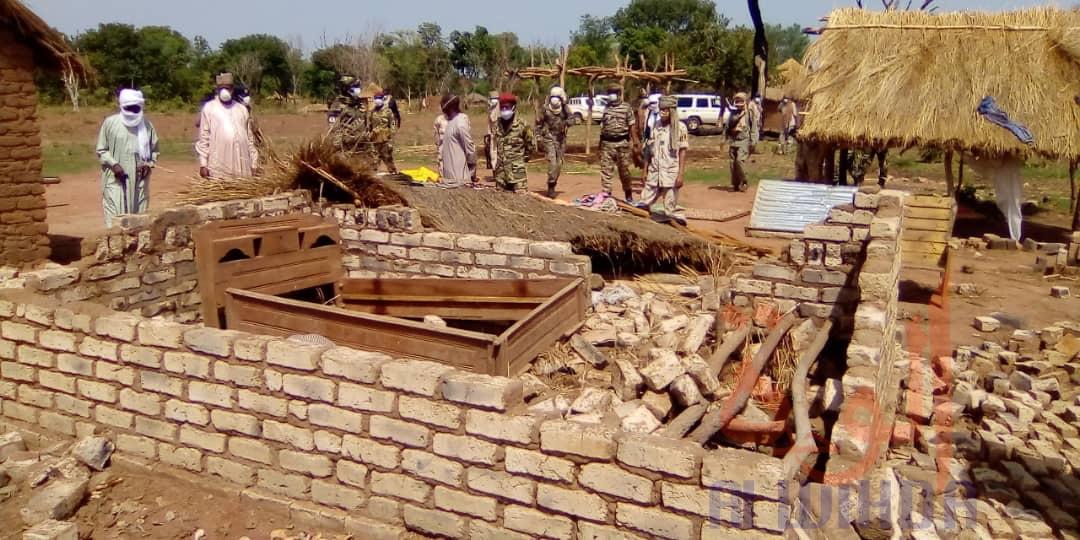 Tchad : des victimes d'une tornade reçoivent une assistance au Mayo Kebbi Ouest. © Foka Mapagne/Alwihda Info
