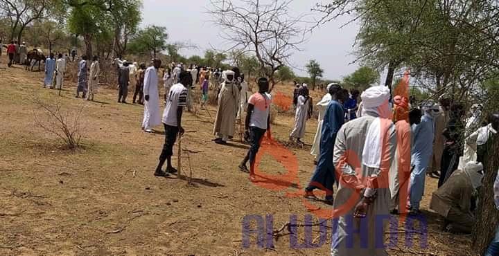 Les autorités du Sila et les forces de sécurité dans le département d'Adde, au Sila, le 26 mai 2020, suite à la découverte d'un corps la veille. © Mahamat Issa Gadaya/Alwihda Info