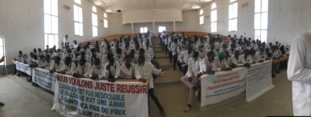 Tchad : à l'Université Adam Barka, les étudiants de médecine maintiennent leur grève. ©DR