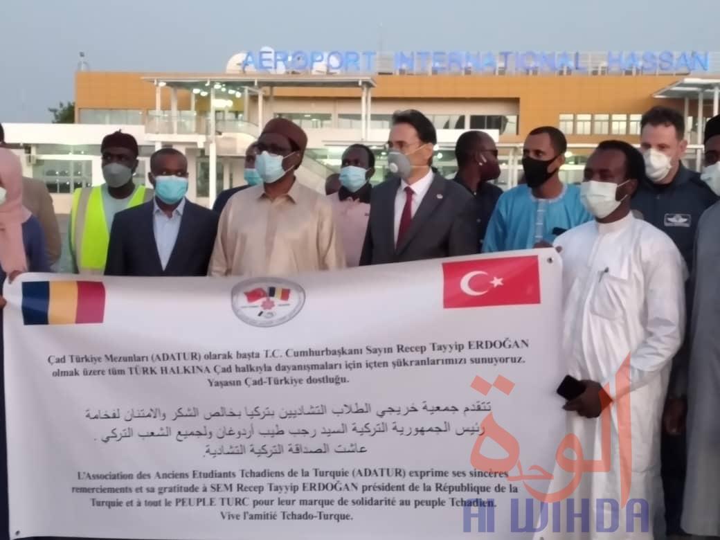 Tchad : un avion militaire turc se pose à N'Djamena avec du matériel médical. © Malick Mahamat/Alwihda Info
