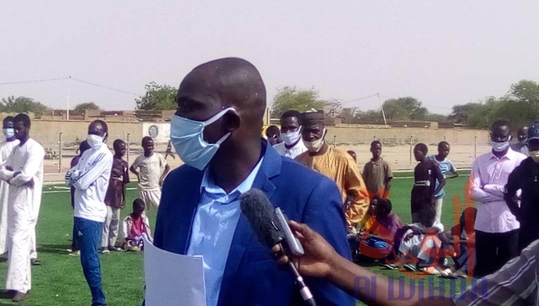 Tchad : des ballons et cache-nez offerts à 15 écoles de foot d'Abéché. ©Abba Issa/Alwihda Info