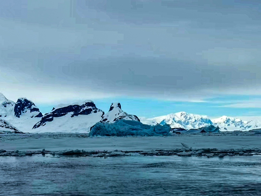 Photo taken on Nov. 28, 2019, shows icebergs in Antarctica. Photo by Sun Jianxin/People's Daily Online