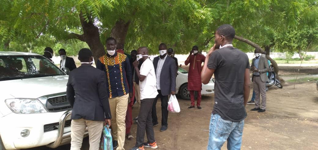 Tchad - Covid-19 : des jeunes d'Ardep Djoumal offrent des cache-nez et kits d'hygiène à N'Djamena