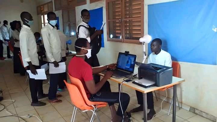 Tchad : à Mongo, enrôlement biométrique des candidats au baccalauréat. © Béchir Badjoury/Alwihda Info