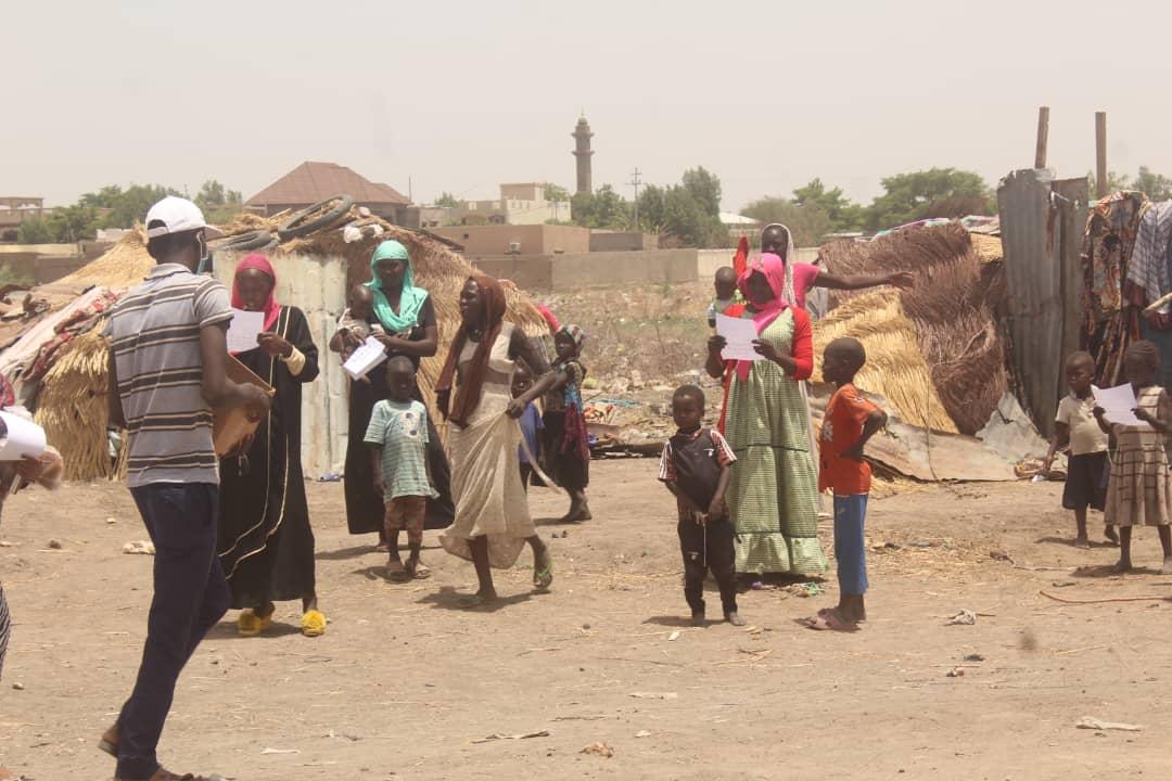 Des jeunes enfants à N'Djamena lors d'une sensibilisation contre la Covid-19. Illustration © Ben Kadabio/Alwihda Info