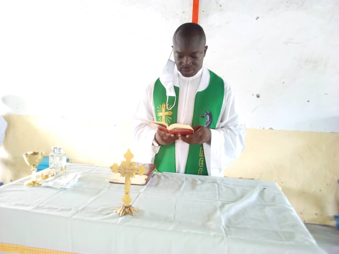 Tchad - Covid-19 : L'Église catholique célèbre sa première messe depuis l'allégement des mesures. © Mbainaissem Gédéon Mbeïbadoum/Alwihda Info