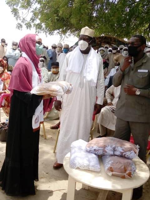 Tchad : au marché de Dougouya, des masques offerts aux citoyens