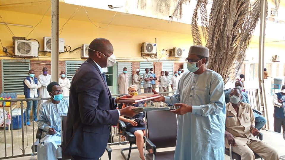 Remise de don de l'OMS au Tchad, samedi 11 juillet 2020. © DR/Min. Santé publique