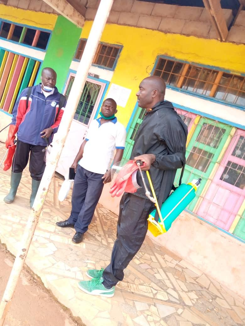 Cameroun/Yaoundé VI : des pulvérisateurs de désinfection pour les jeunes