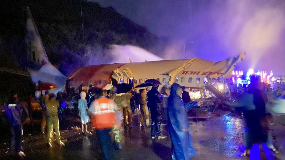 Inde : un avion rate son atterrissage et se brise, 200 passages à bord. © DR/Image Twitter