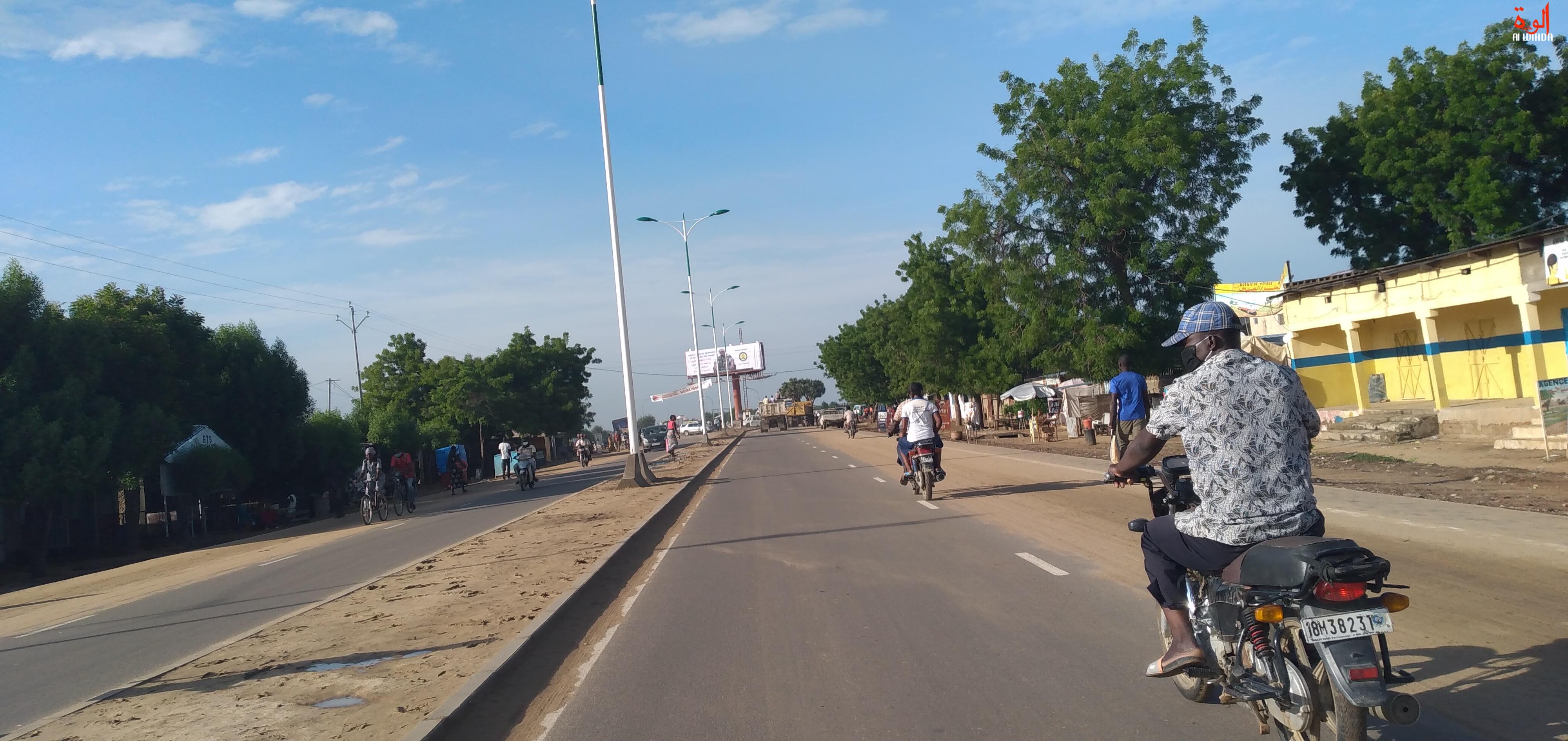 L'avenue Jacques Nadingar, menant au Palais de la démocratie à N'Djamena. © Ben Kadabio/Alwihda Info