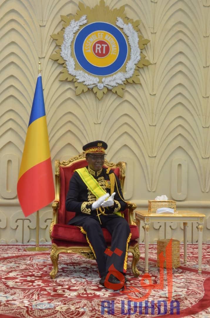 Tchad : première apparition du chef de l'État avec la tenue d'apparat de Maréchal
