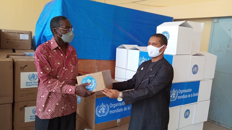 Tchad : l'OMS fait un don de matériel médical contre la Covid-19. © Min.Santé