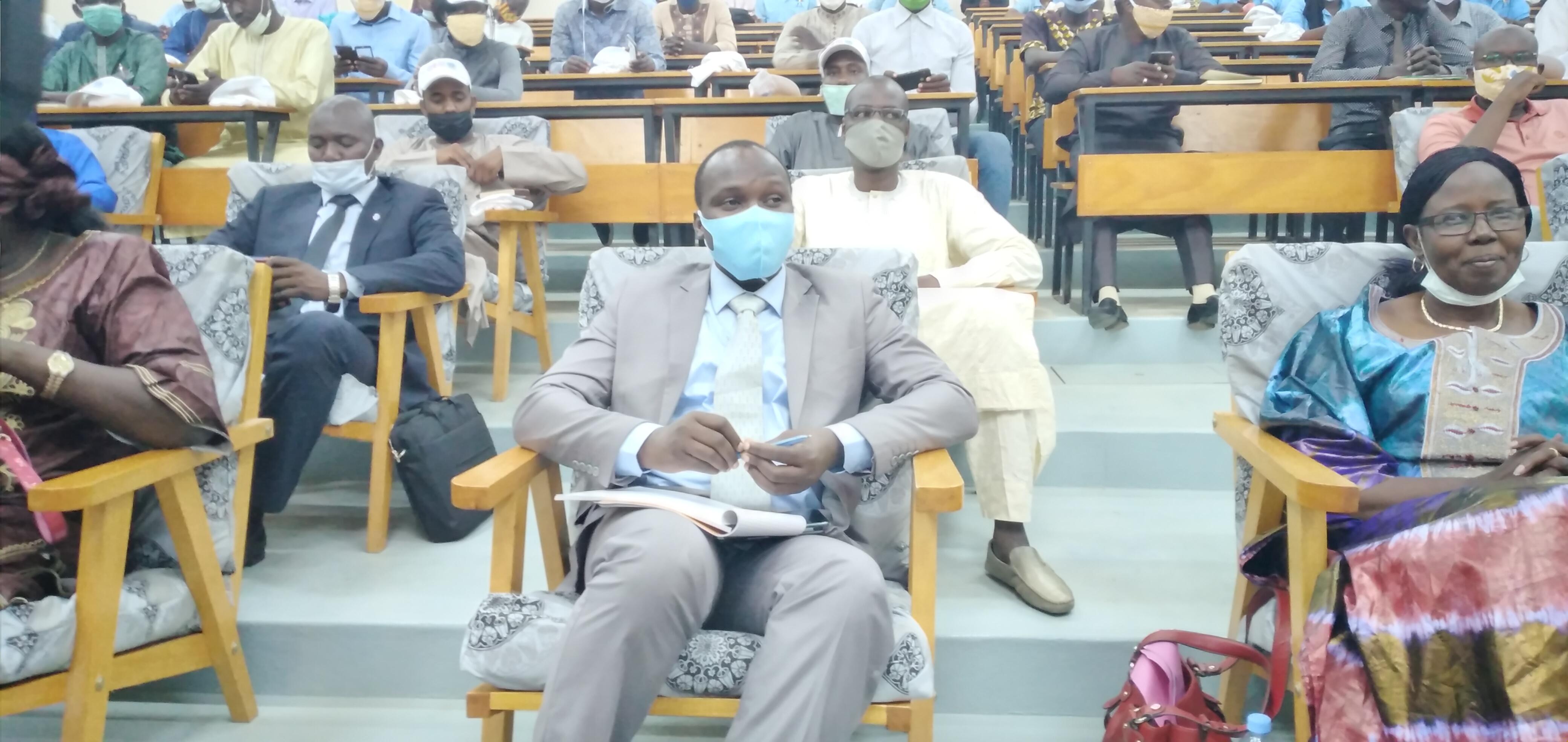 Le ministre de la Jeunesse et des Sports, Routouang Mohamed Christian (au centre). © Ben Kadabio/Alwihda Info