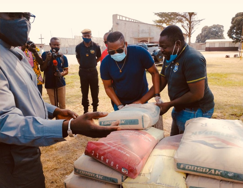Congo : le député Brice Dimitri Bayendissa fait un don des tonnes de ciment à la paroisse Saint Esprit de Mpaka-Pointe Noire