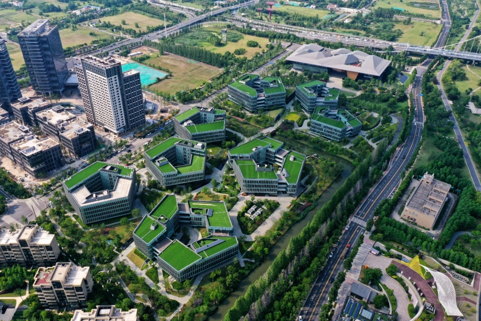 A green & high-tech industrial park located in Nanjing, SE China's Jiangsu Province. Fortune 500 company Tencent and others locate their R&D center here. Photo: Yang Suping / People's Daily Online