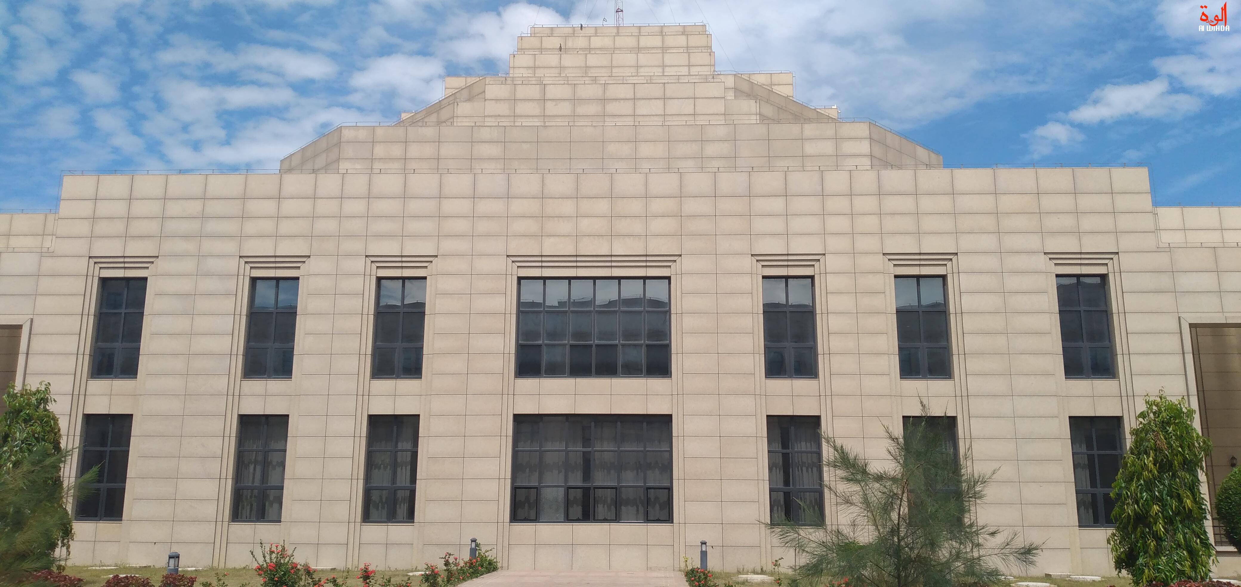 Le Palais de la démocratie, siège de l'Assemblée nationale du Tchad. © Ben Kadabio/Alwihda Info
