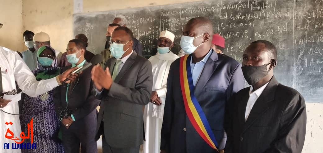 Tchad : le ministre de l'Éducation lance la reprise des cours pour les classes intermédiaires. © Malick Mahamat/Alwihda Info