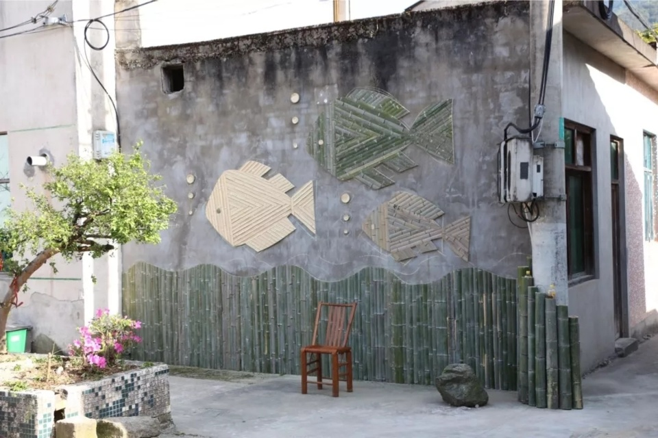 Creative designs are easily seen in Gejia village. (Photo/App of Yongpai, a news and service platform developed by Ningbo Daily Group)