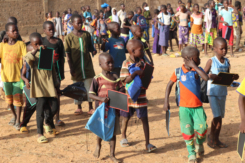 Des enfants déplacés reprennent l'école à Kaya - Burkina Faso. © Innocent Parkouda/NRC