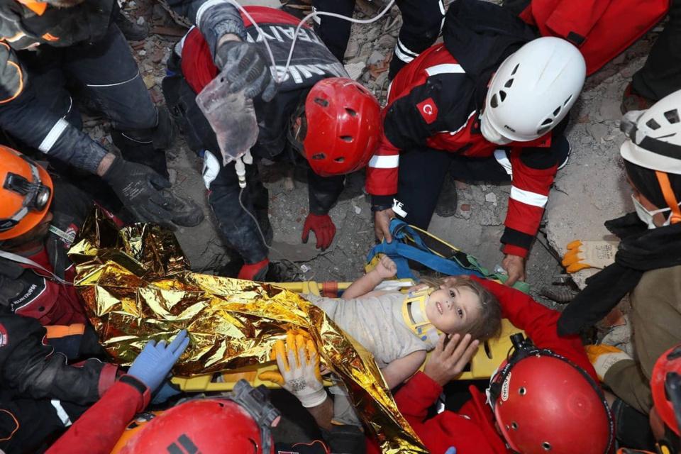 Turquie : une fille de 4 ans sauvée des décombres, 91 heures après le séisme. © Anadolu Agency