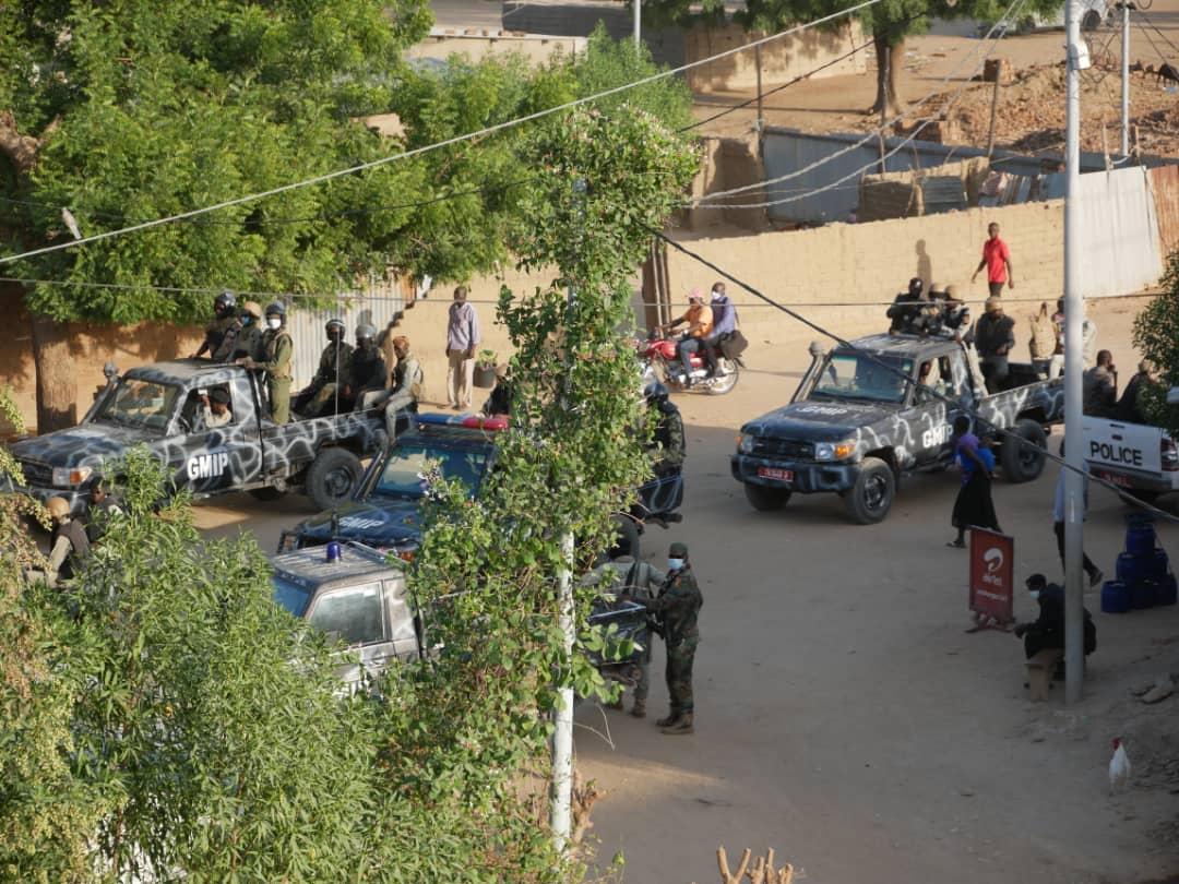 Tchad : encerclé par les forces de sécurité, Succes Masra anime un meeting en direct. ©DR