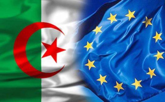 Les drapeaux de l'Algérie et de l'Union européenne. Illustration © DR