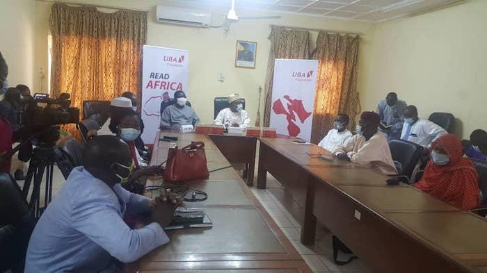 Tchad : UBA remet un millier de livres au ministère de l'Éducation pour encourager les élèves