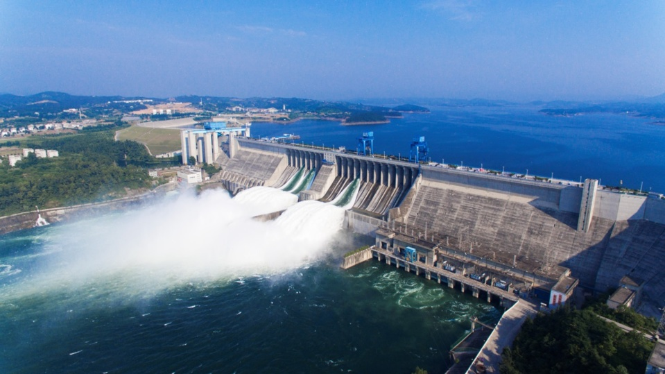 The phase-1 project of the central route of the South-North Water Diversion Project has been maintained safe operation for 2,000 days as of June 3, diverting 30 billion cubic meters of water. Photo by Chen Huaping, People's Daily Online