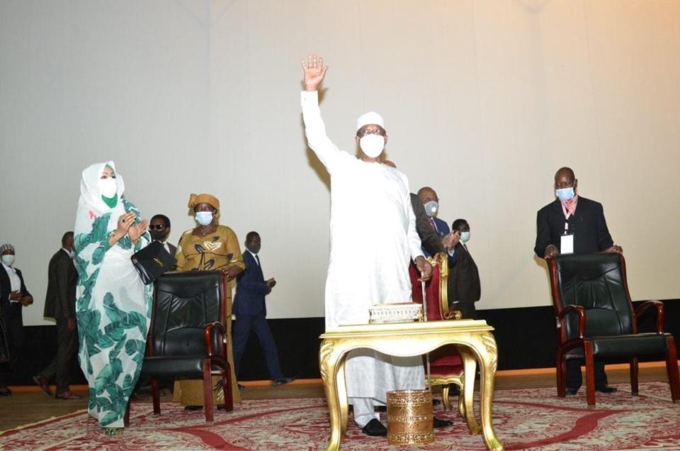 Tchad : 21 personnalités distinguées par le président suite au Forum inclusif