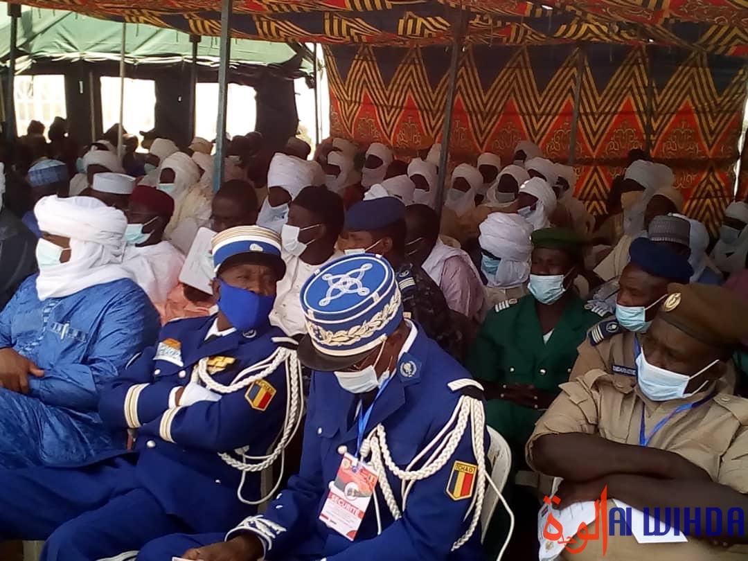 Tchad : le président pose la pierre de construction d'un centre de formation à Massakory