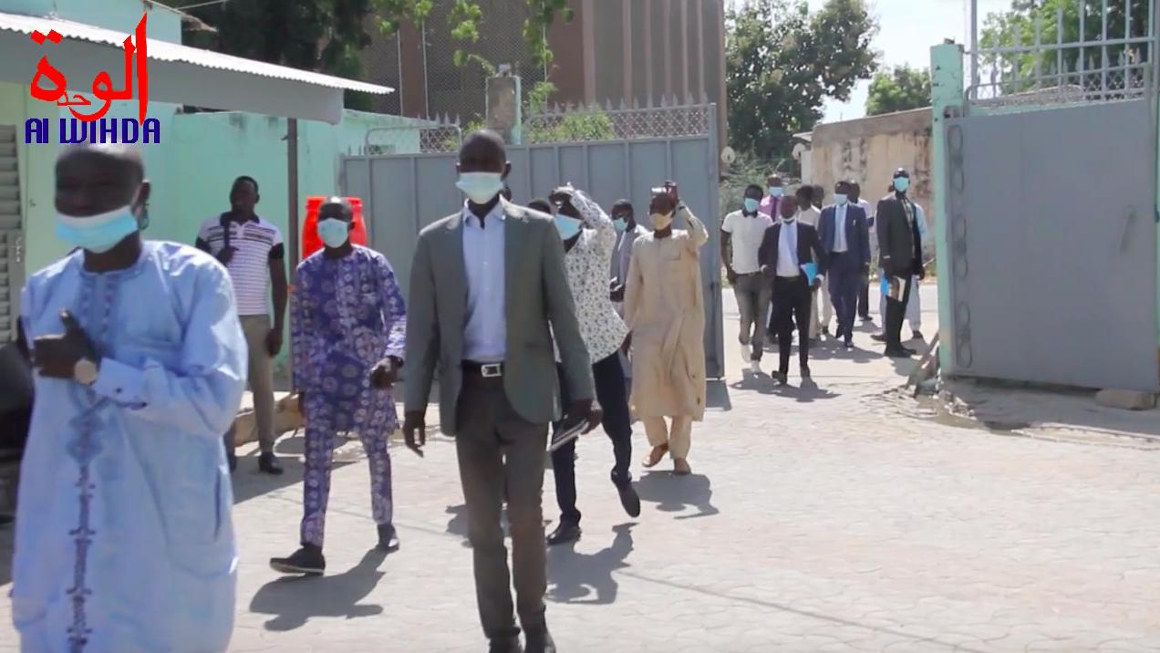 Dépôt de candidatures à N'Djamena pour des postes au CNCJ. © Ben Kadabio/Alwihda Info