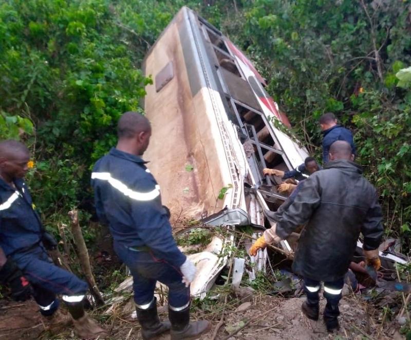 Cameroun : un accident de bus fait au moins 37 morts. © Cameroun-Info