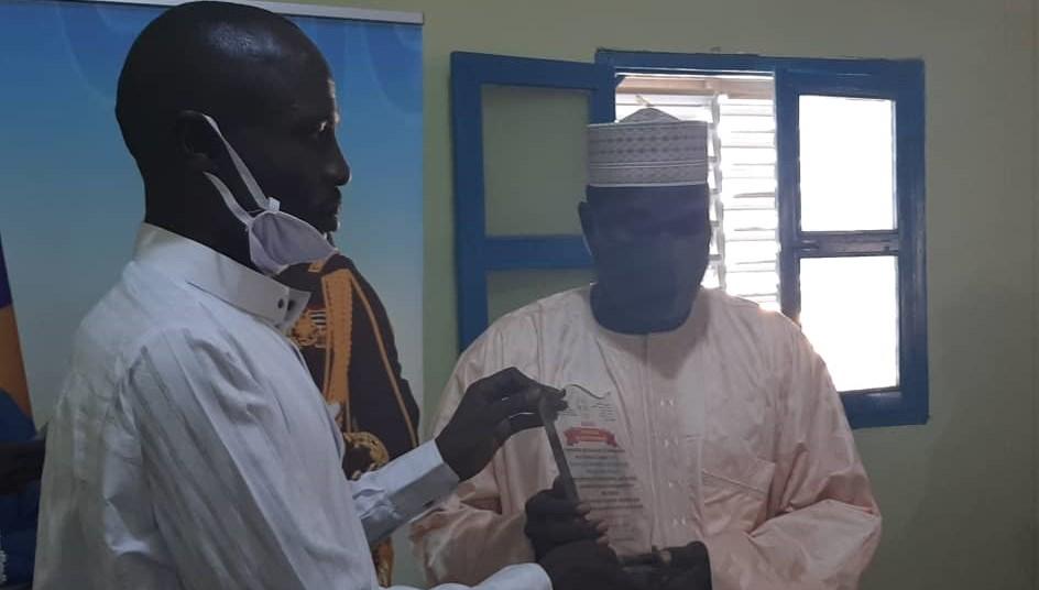 Tchad : L'AJDPO décerne une attestation de reconnaissance au maire d'Abéché