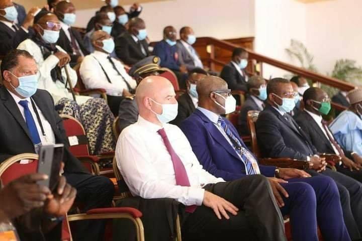 Le Président de la FIFA soutient le redémarrage du football africain au Cameroun. © DR