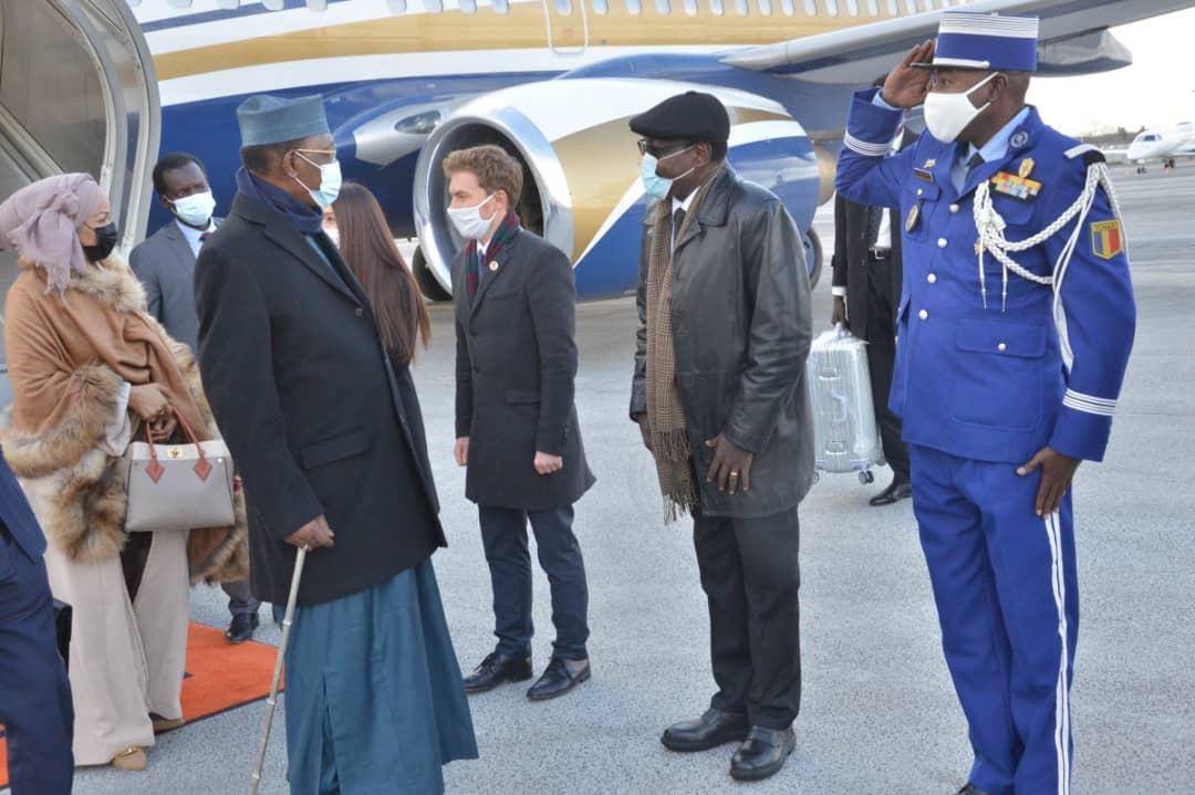 Tchad-France : un entretien entre Idriss Deby et Emmanuel Macron prévu ce lundi