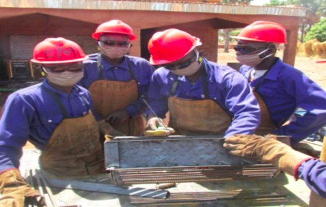 Tchad : des jeunes déscolarisés se forment à la fabrication d'équipements agricoles au Moyen-Chari