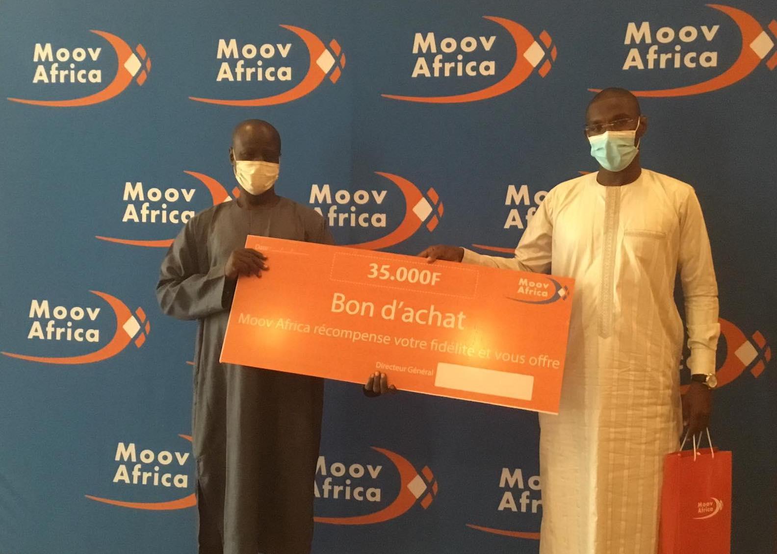 Remise de cadeaux aux anciens clients : Moov Africa récompense sa fidèle clientèle
